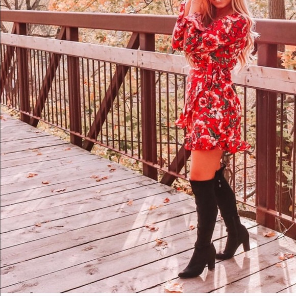 Dresses & Skirts - Moody Floral Wrap Dress